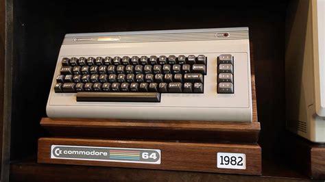 retro computer display stand    macintosh