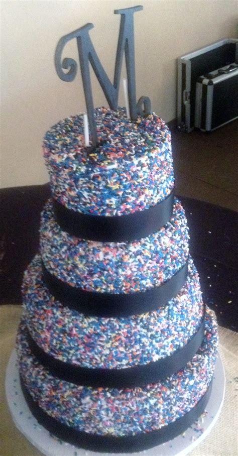 cups  cakes sprinkle wedding cake