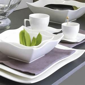 Assiette Plate Originale : assiette carr e en porcelaine blanche vaisselle moderne et design ~ Teatrodelosmanantiales.com Idées de Décoration