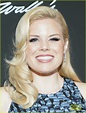 'Wicked' Stars Idina Menzel & Megan Hilty Reunite to Honor ...