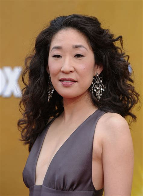 sandra oh mother sandra oh her religion hobbies and political views