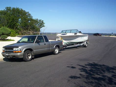 Ranger Bass Boat Trailer Weight by Towing Weights Of Fiberglass Boats Vs Aluminum Boats