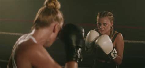 "Kelsea Ballerini Gets In Fighting Shape For ""miss Me More"