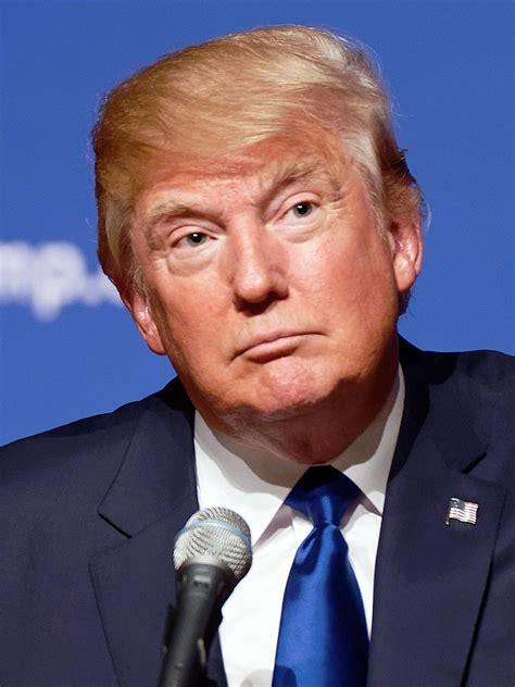 Filedonald Trump August 19, 2015 (cropped)jpg