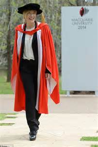 wedding ring melbourne cate blanchett presented with doctor of letters at
