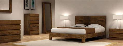 chambre coucher en bois massif chambre à coucher en bois et rangements meubles bois massif