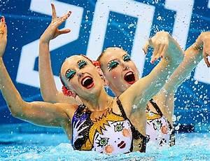 Synchronized Swimming Split Lift 79914 | TWEB