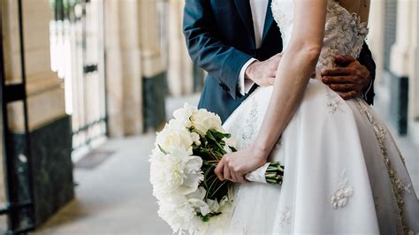 here s how much you should expect to pay this wedding season bankrate com