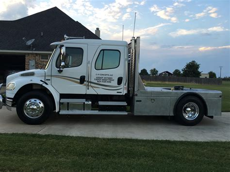 2005 Freightliner M2 106 4 Door   Toter Hot Shot Semi