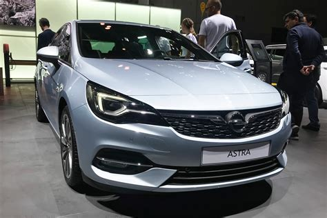 New 2019 Vauxhall Astra facelift hits Frankfurt   Auto Express
