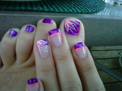 Fun Summer Pedicure Ideas To Make Your Feet