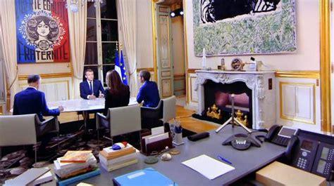 baise dans le bureau le brief politique un gri gri gaulliste dans le bureau du