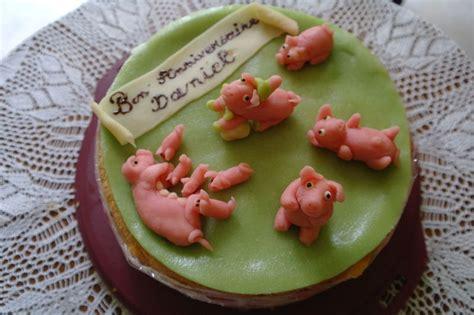 gateau anniversaire petits cochons p 226 te d amandes sylgote aux fraises