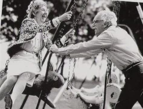 Old Couples In Love Are So Cute (30 Pics + 1 Gif