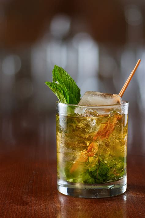 RANKED! The 6 Best Summer Whiskey Cocktails For Day Drinking