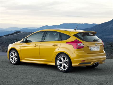 focus st hatchback  door  generation focus st
