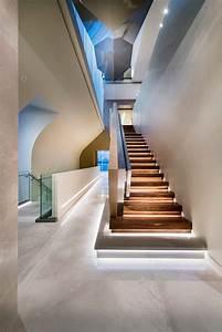 Leisten Für Indirekte Beleuchtung : indirekte beleuchtung der treppenstufen mit kaltwei en led leisten zuk nftige projekte ~ Sanjose-hotels-ca.com Haus und Dekorationen