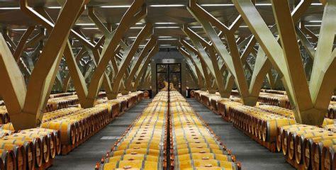 les chais de la cour le chai spectaculaire de château talbot le figaro vin