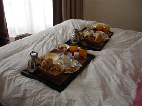 chambre et petit dejeuner petit déjeûner en chambre photo de radisson balmoral