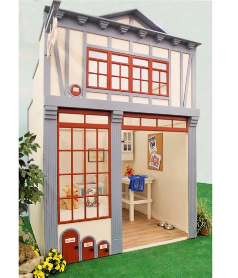who played in house animal hospital lilliput play homes