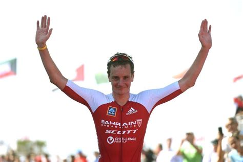 Alistair claims it was an accidental collision. Brownlee wint in China, Tom De Malsche 2de - 3athlon.be