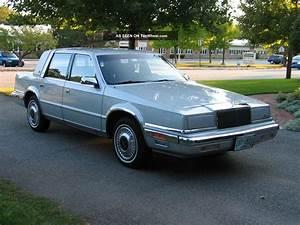1989 Chrysler Yorker Landau Sedan 4