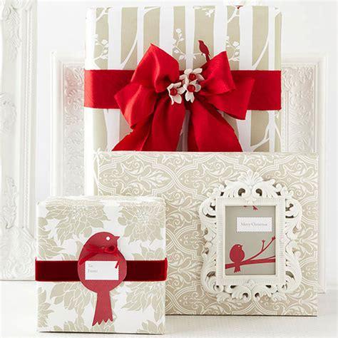 pretty gift wraps  bows
