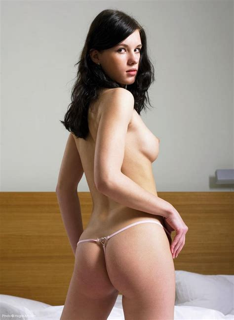 Mona Nude In Photos From Hegreart
