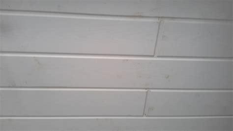 Decke Streichen Farbe by Decke Holzpaneele Im Bad Streichen Holz