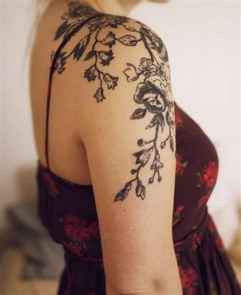 Female Shoulder Tattoo Designs cool shoulder tattoo designs  creative juice 600 x 736 · jpeg