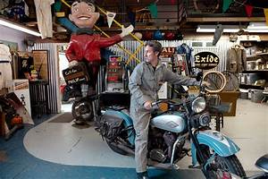 Mike Wolfe, of 'American Pickers,' at Home in Iowa - The