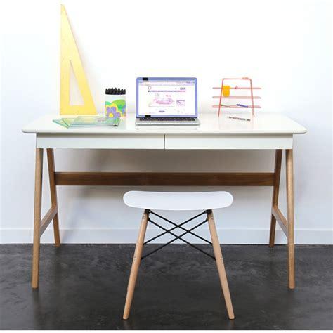 bureau bois scandinave bureau laqué chêne blanc 120x70cm skoll look scandinave