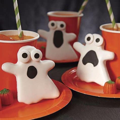 fun  simple ideas  decorating halloween cupcakes family holidaynetguide  family
