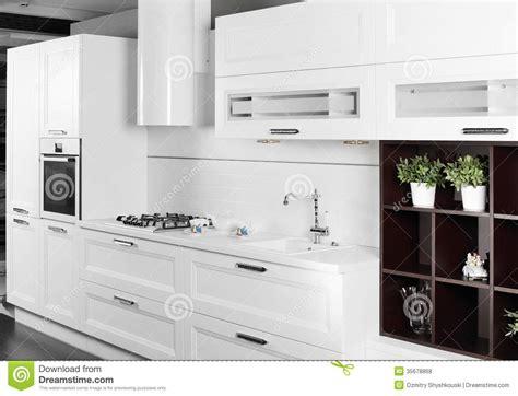 mobilia cuisine cozinha branca moderna com mobília à moda fotos de stock
