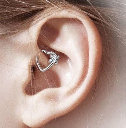 los  tipos de piercing en la oreja como son
