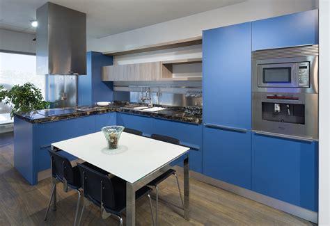 cocinas azules rompe  lo establecido cocinas rio