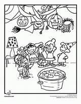 Coloring Charlie Brown Pumpkin Popular sketch template