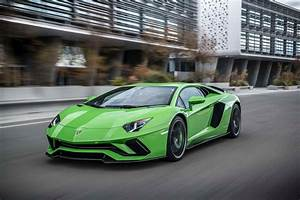 Lamborghini Aventador 2018 : 2018 lamborghini aventador s front three quarter in motion 37 motor trend ~ Medecine-chirurgie-esthetiques.com Avis de Voitures