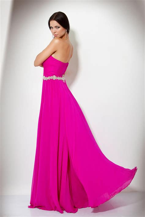 What to Wear to the Late Afternoon Wedding   WeddingElation