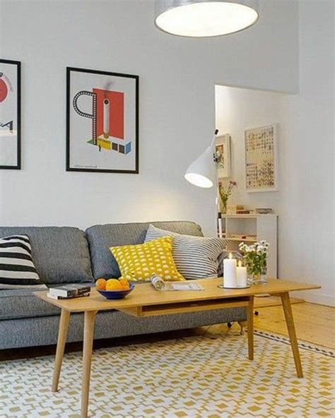 quel tapis choisir pour le salon canap 233 gris avec coussins