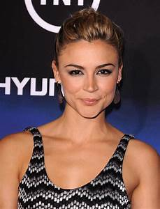 Samaire Armstrong At Falling Skies Premiere in West ...
