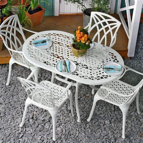 white oval 81 x 136 cm 4 seater metal garden table