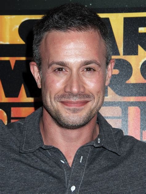Freddie Prinze Jr. Photos and Pictures   TV Guide