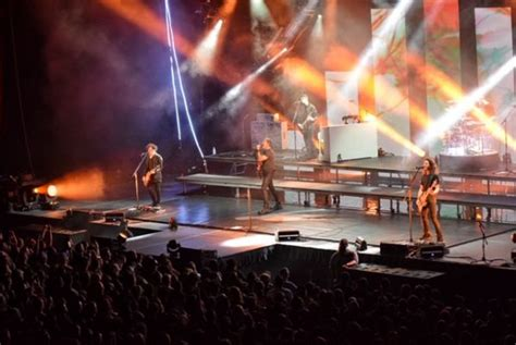 eye blind  theater   clouds  moda center