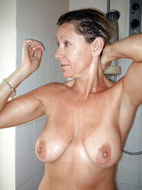 Beautiful Mature With Perfect Tits In Shower Whix