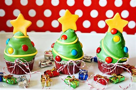 324 Best Christmas Cakes Images On Pinterest  Christmas Cakes, Xmas Cakes And Conch Fritters