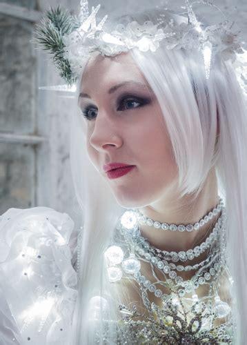 Snow Queen La Mer | MissingLinkProductions Circus