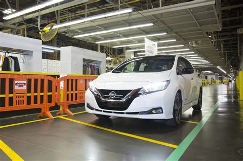 Nissan Tennessee by 2018 Nissan Leaf Electric Car Now Rolling Lines In
