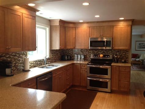 pictures of kitchens with maple cabinets schrock pleasant hill in maple s kitchen 9123