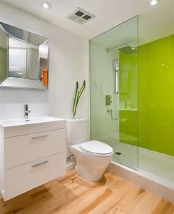 panneau decoratif mural en verre dans la salle de bains With salle de bain design avec thermomètre mural décoratif